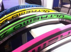 Schwalbe-Ultremo-ZX-couleur.png
