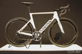 Canyon-Connected-Smart-Bike-001.jpg