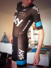 Froome-tenue-chrono-resille.jpg