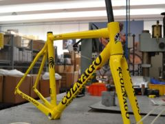 Colnago-jaune.jpg
