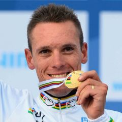 Gilbert-World-Champion-2012-4.jpg