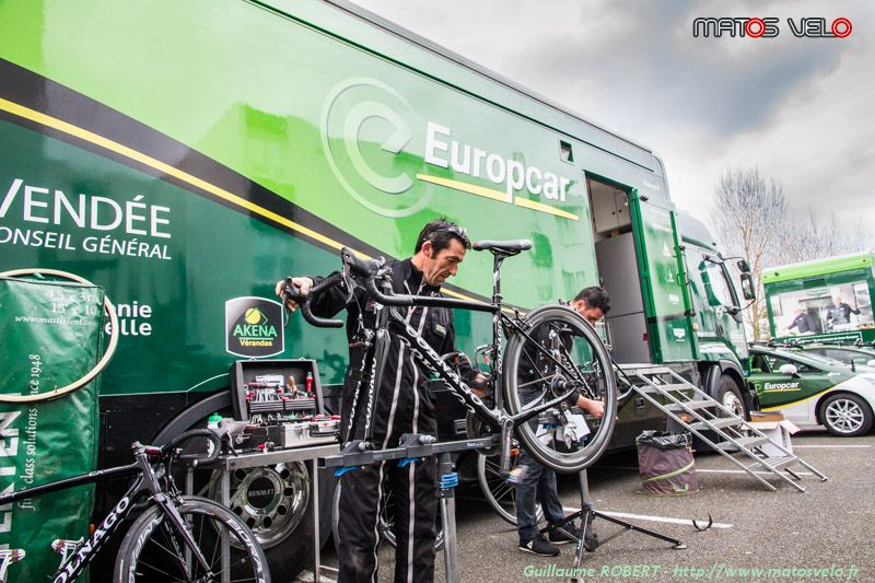 location voiture luxe europcar cyclisme. Black Bedroom Furniture Sets. Home Design Ideas
