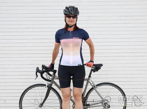 Essai de la tenue été femme Santini Volo - Matos vélo d951b690720
