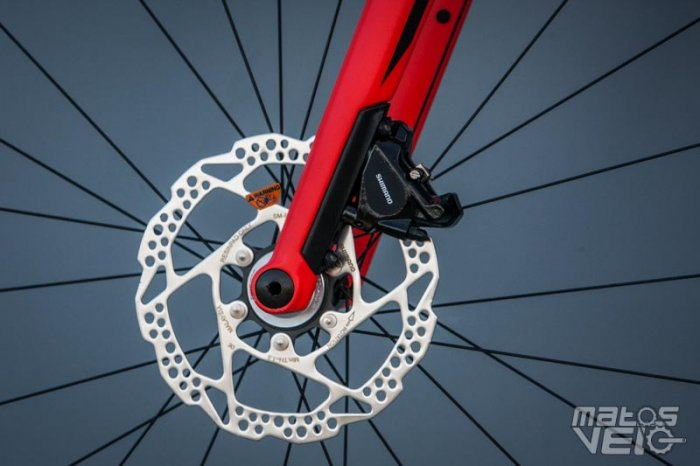 BMC-Roadmachine-02-105-027.jpg