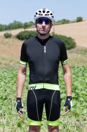 Santini-Sleek-Bcool-Aero-004.jpg